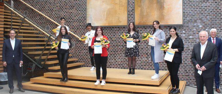 Freundeskreis hat 18. Schülerpreis verliehen